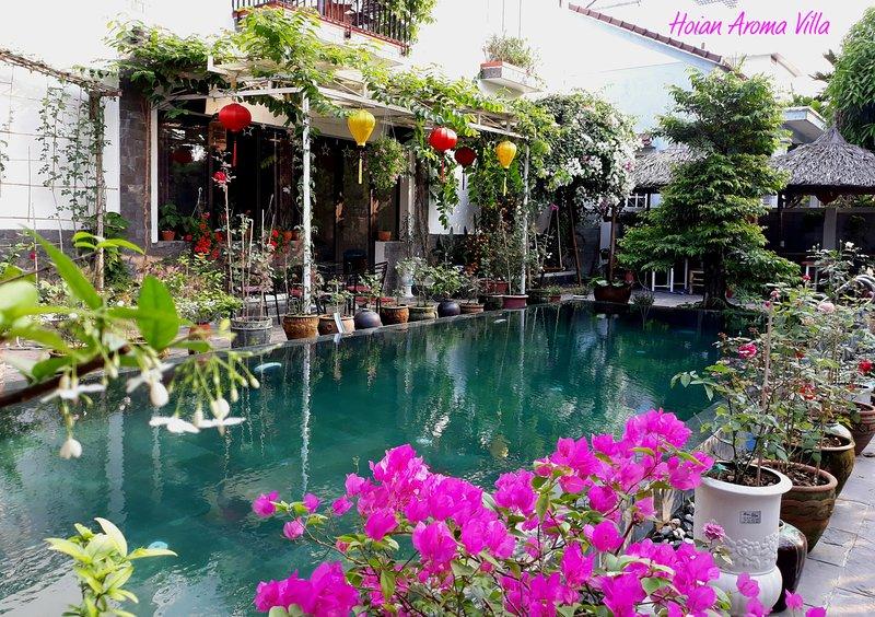Hoian Aroma Villa - Forgetmenot room - Romatic Triple room in pool villa, holiday rental in Dien Duong