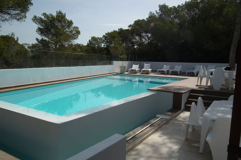Villa Gloria, location de vacances à Port d'es Torrent