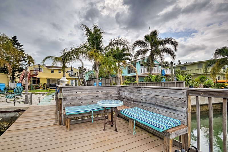 Coastal Condo w/BBQ & Boat Slip, Walk to Beaches!, vacation rental in Treasure Island