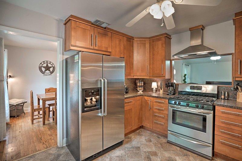 Vous adorerez pouvoir préparer des repas maison dans la cuisine entièrement équipée.