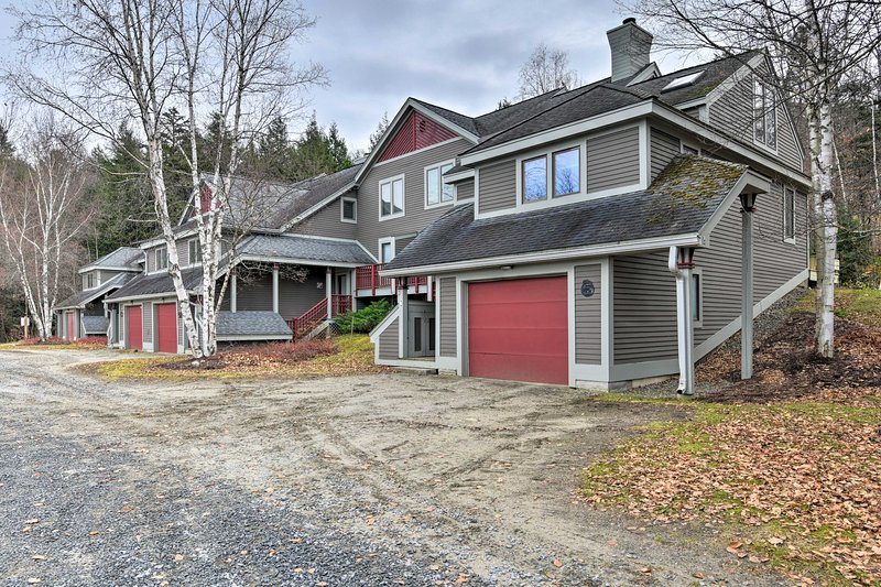 This condo boasts an ideal ski-in/ski-out location on Burke Mountain!