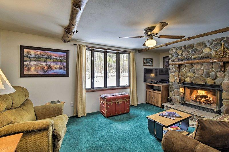 Cabin Near to Lakes, ATVing, Skiing & Nat'l Forest, casa vacanza a Lakewood