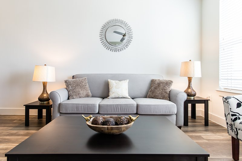 Bright 1BR apartment at Legacy West, alquiler vacacional en Plano