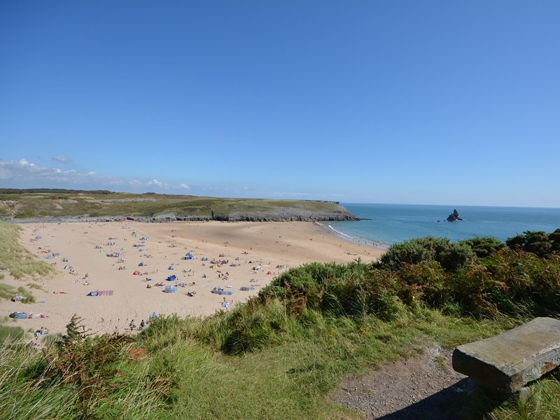 A short drive to the stunning Broad Haven South