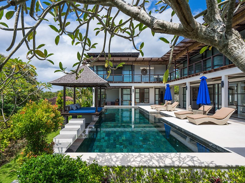 Villa Adenium, 4BR, Jimbaran, holiday rental in South Kuta