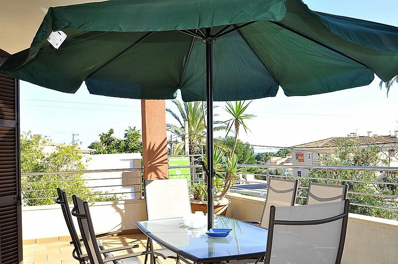CASA LAS COLUMNAS- Chalet in Cala Ratjada, ideal for families with private pool, location de vacances à Capdepera