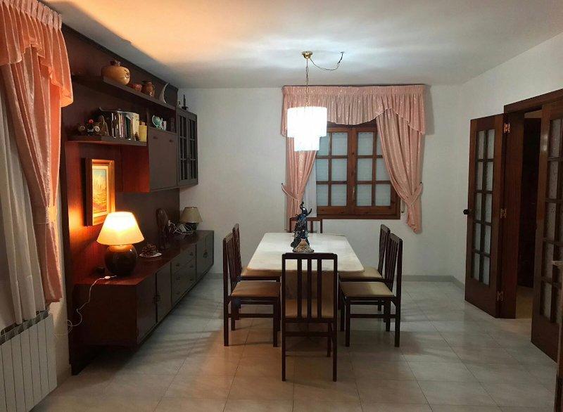 Casa para familias con jardín y piscina, alquiler vacacional en Cunit