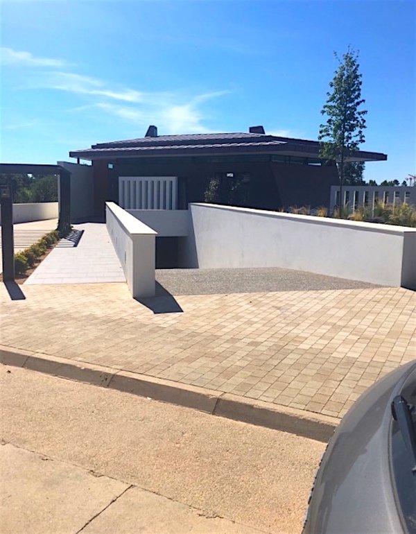 Villa 5 - main entrance