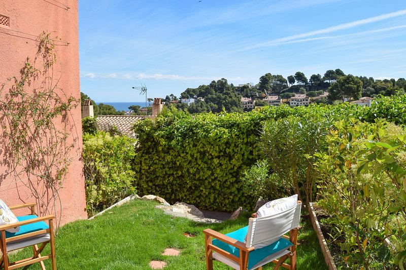 DETACHED HOUSE WITH SEA VIEWS AND TERRACES.6 people. BEGUR-COSTA BRAVA, holiday rental in Platja de Sa Riera