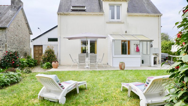 LE FOUESNANT - Maison agréable 8 personnes avec jardin, holiday rental in Gouesnach