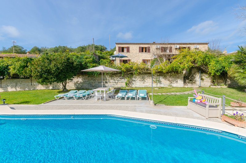 YourHouse Son Femenia - villa in the countryside with private pool and terrace, vacation rental in Santa Margalida