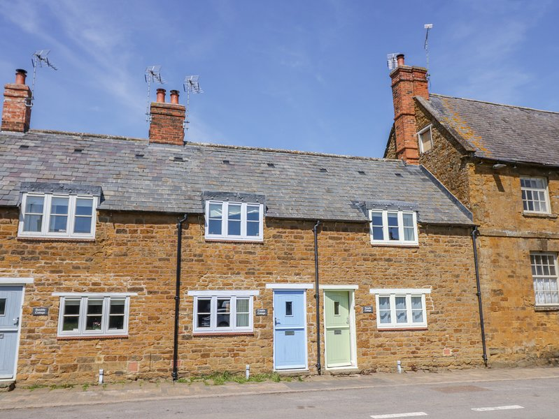 TREACLE COTTAGE, pet-friendly, WiFi, in Upper Tysoe, holiday rental in Kineton