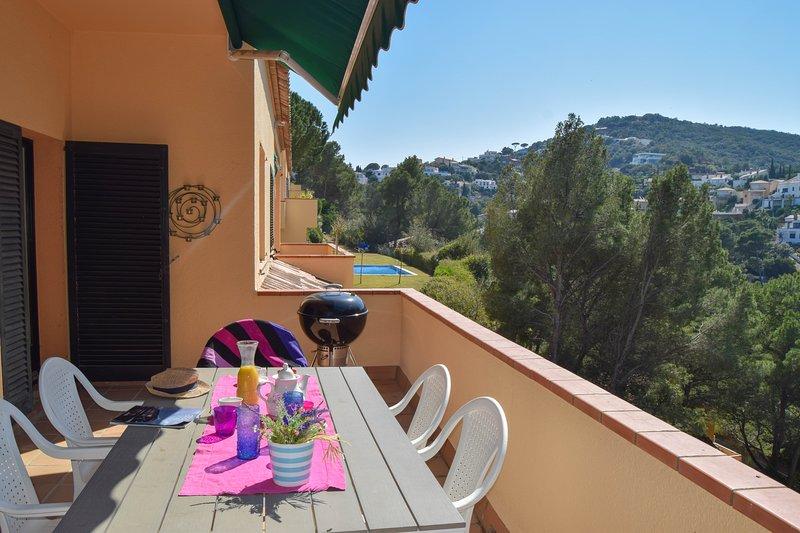 Casa semi-indipendente con piscina comunitaria e giardino. 8 persone. Sa Riera- Begur.