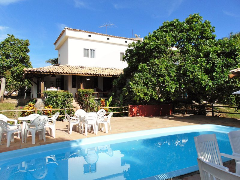 Casa Sereia- by the river, 500m from beach, 4 rooms with en-suite, private pool, pool table