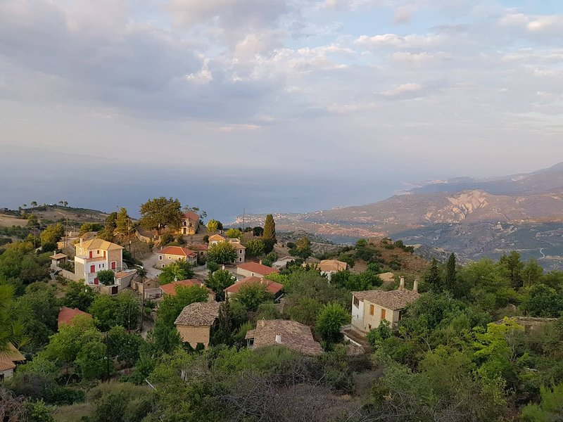House with a view, holiday rental in Akrata
