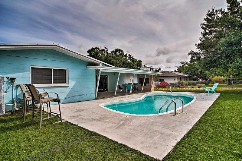 Sarasota Home w/Large Backyard & Water Access, location de vacances à Oneco
