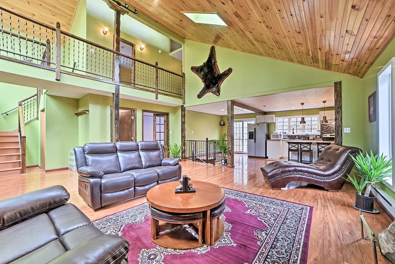 Pocono Lake Home w/Beach Access & Game Room!, vacation rental in Thornhurst