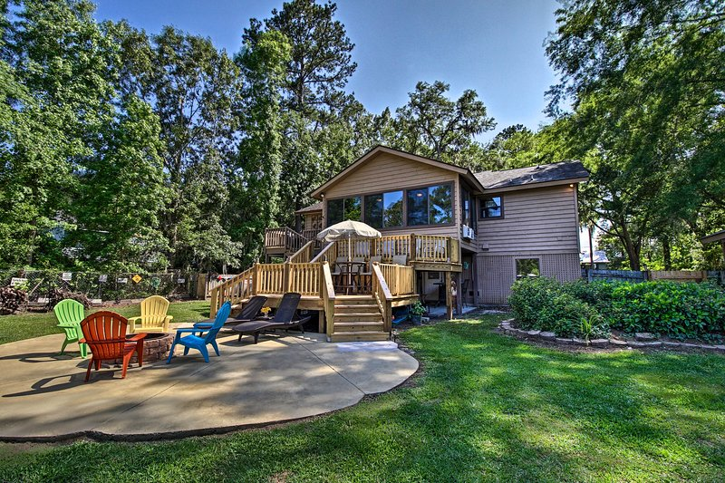 Waterfront Midway Home w/Sunroom & Large Yard, alquiler de vacaciones en Midway