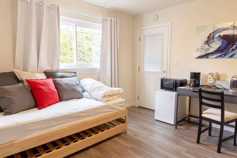 Cozy 1-Bedroom in Silicon Valley, vacation rental in Cupertino