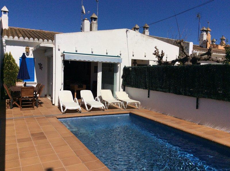 VILANERA PISCINA PRIVADA, vacation rental in Albons