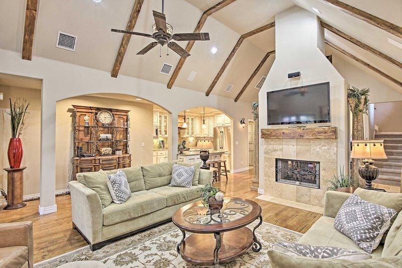 Elegance meets comfort in this 3-bedroom, 2.5-bathroom Tulsa vacation rental.
