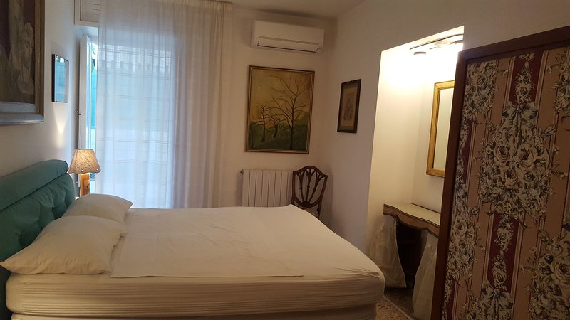 Main bedroom with airco