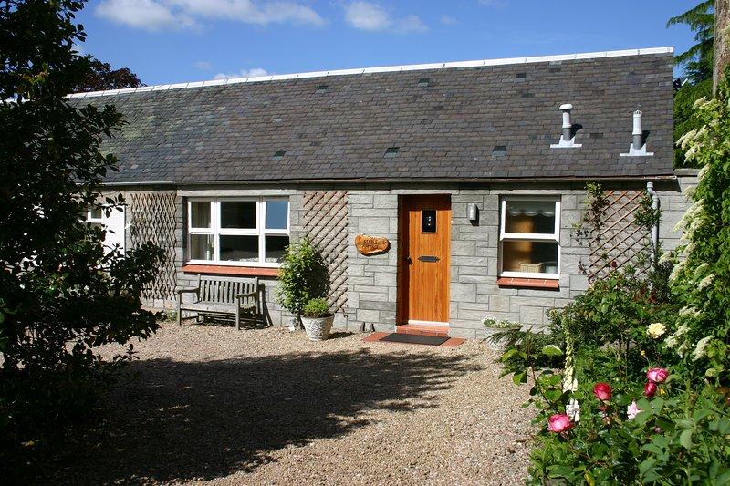 Stable Cottage with Sunny Garden, location de vacances à Alloway