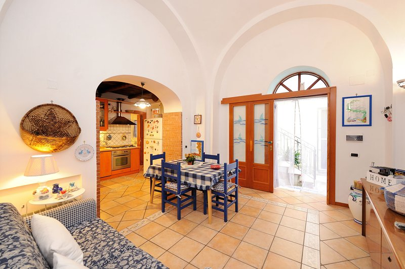 Minori ' Casa Greta ' Amalfi Coast, aluguéis de temporada em Minori