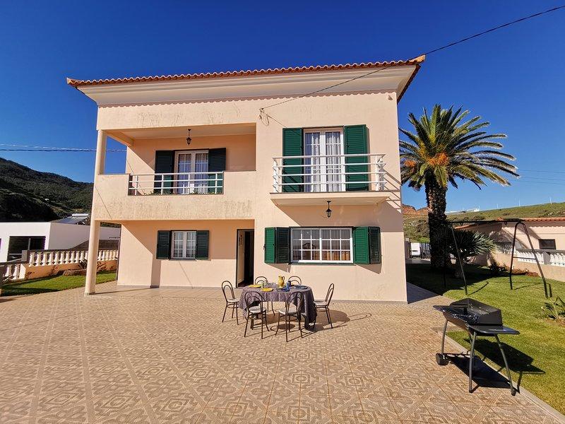 Casa da Palmeira no Caniçal - Madeira Free WIFI, holiday rental in Canical