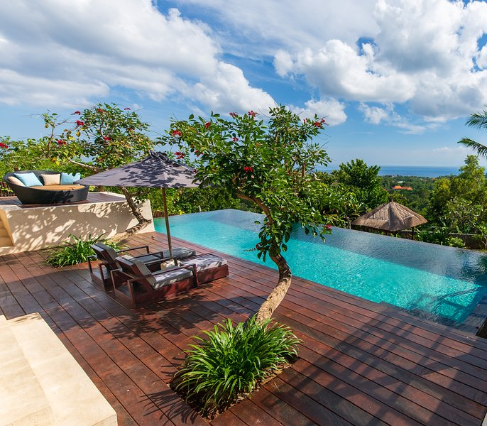 Modern Spacious Villa in Uluwatu with Ocean View, vacation rental in Uluwatu