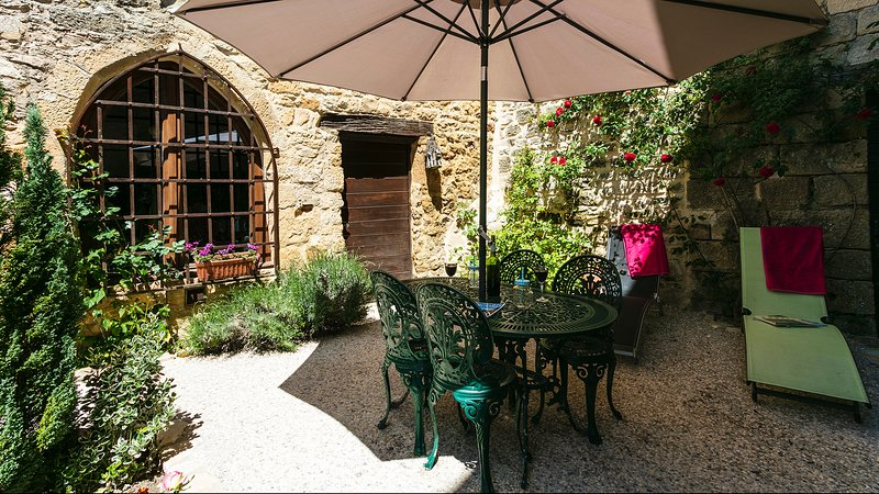 Amazing house in Beynac, vacation rental in Castels
