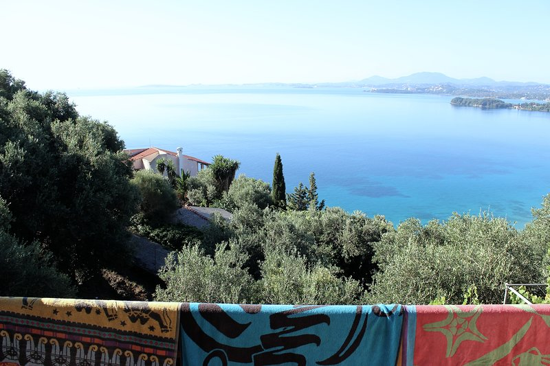 Fantastic Apartment with stunning views, vacation rental in Ipsos