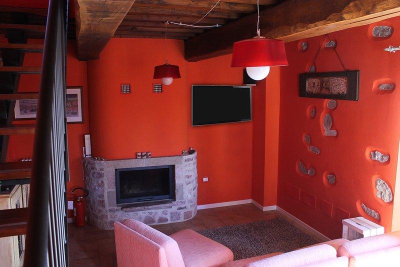 Country House Il Prato - Casa in pietra con piscina nel Borgo di Messenano, location de vacances à Macerino