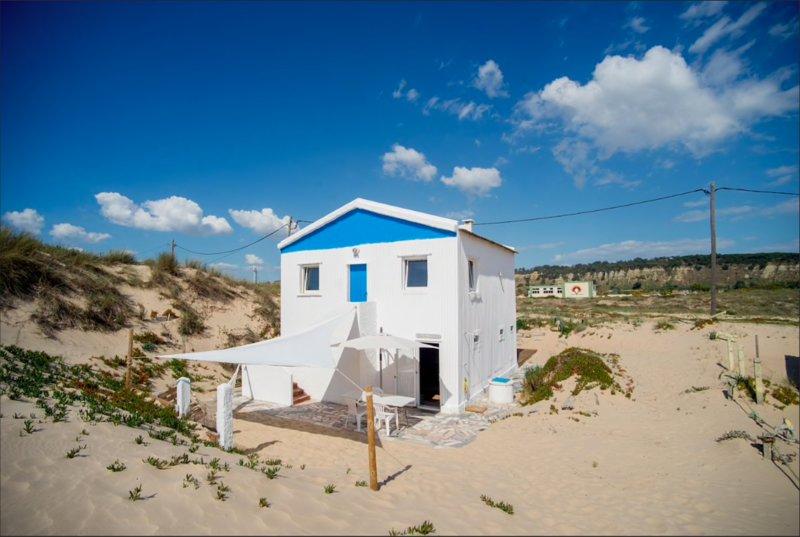 Beach House Caparica, holiday rental in Costa da Caparica