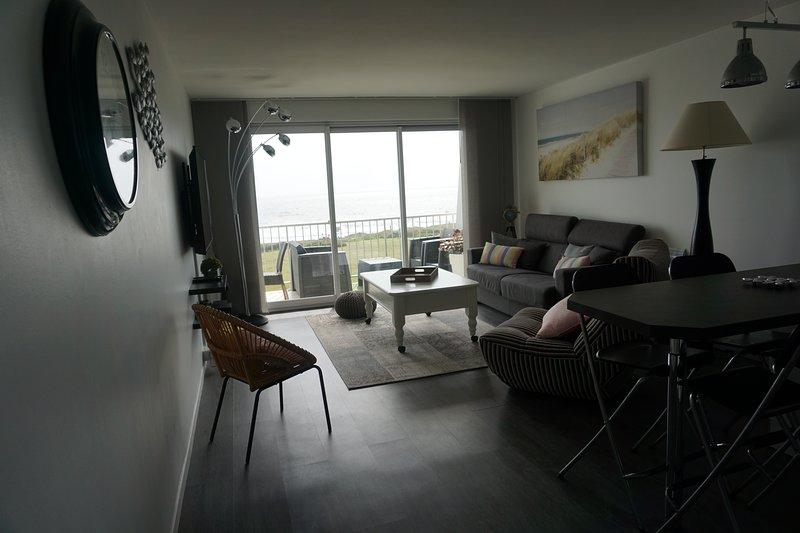 Amazing apartment with shared pool, location de vacances à Le Pouldu