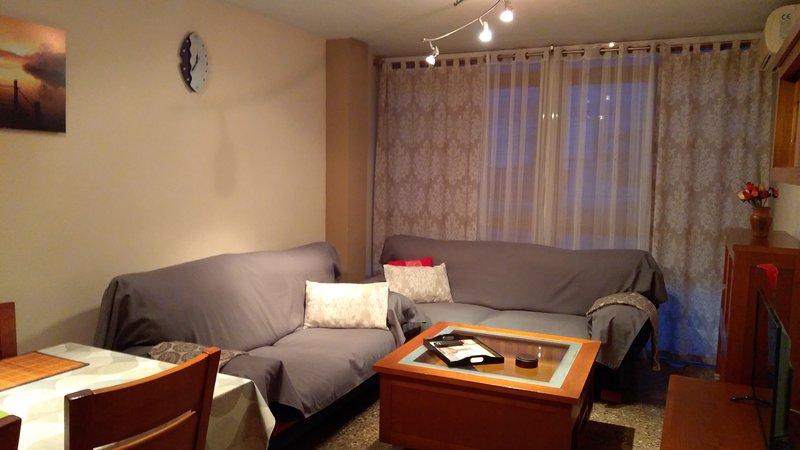 Bonito apartamento en Puerto de Sagunto, aluguéis de temporada em Almenara
