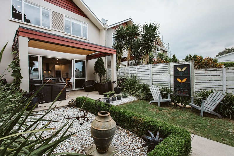 CLASSY ON COURTENAY, holiday rental in New Plymouth