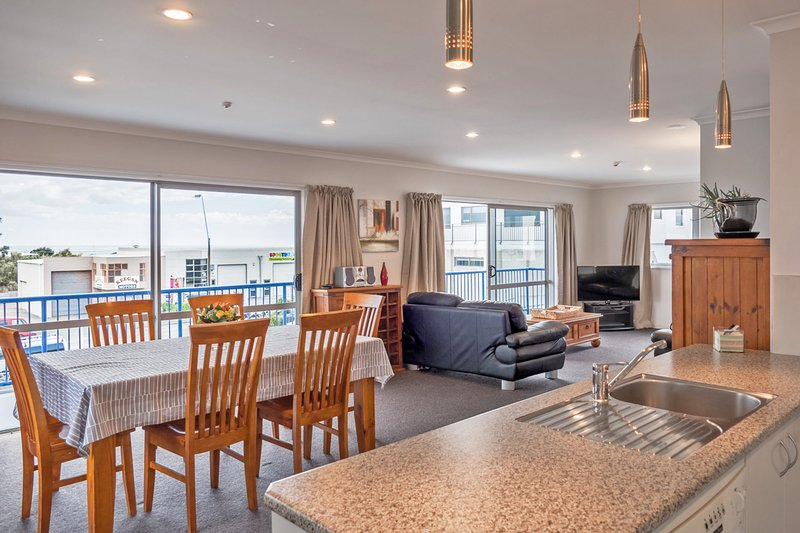 MACKS ON MOLESWORTH - ROOF TOP APARTMENT, holiday rental in New Plymouth