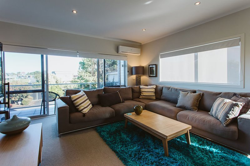 SENSATIONAL IN STRANDON - Luxurious Apartment, holiday rental in New Plymouth