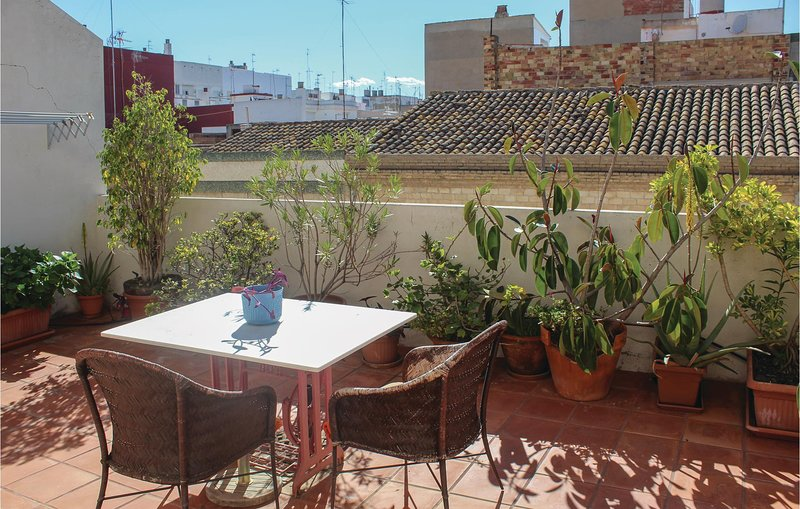 Stunning home in Sedavi with WiFi and 2 Bedrooms (EBV073), holiday rental in Alginet