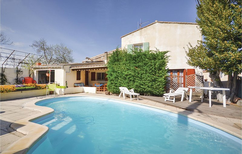 Stunning home in Ornaisons with WiFi, 3 Bedrooms and Outdoor swimming pool (FLA2, location de vacances à Saint-Andre-de-Roquelongue
