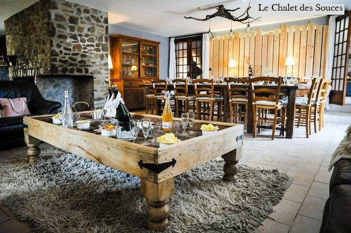 Spacieux chalet au pied d'Andorre 24 P  avec Jacuzzi et Piscine intérieure, vacation rental in Ascou