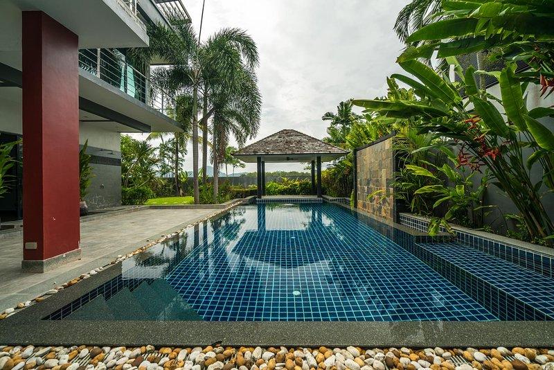 Diamond 248 - Modern private pool villa in BangTao, casa vacanza a Si Sunthon