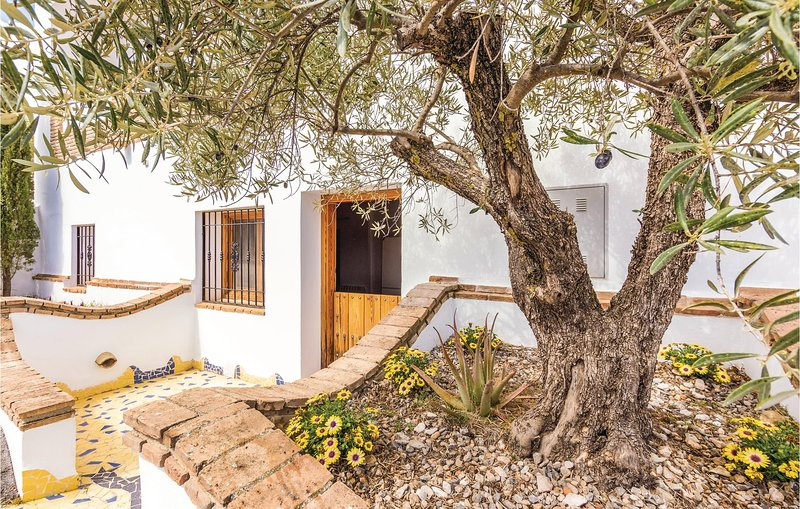 Amazing home in Fontanar with WiFi and 1 Bedrooms (EAC419), location de vacances à Hinojares