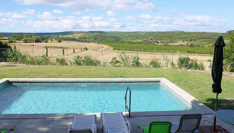 Le Petit Paradis - Holiday house with private pool, close to Beziers, sleeps 6, vacation rental in Puissalicon