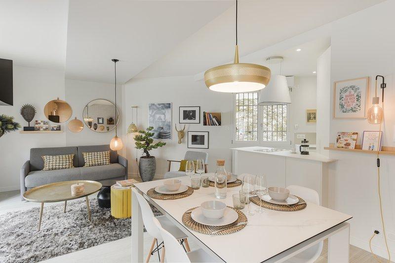 Bonzaï-Superbe logement avec parking, vakantiewoning in Sautron