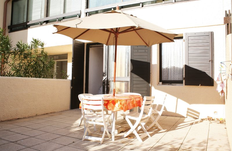 Nice apt with shared pool & terrace, vacation rental in Bages