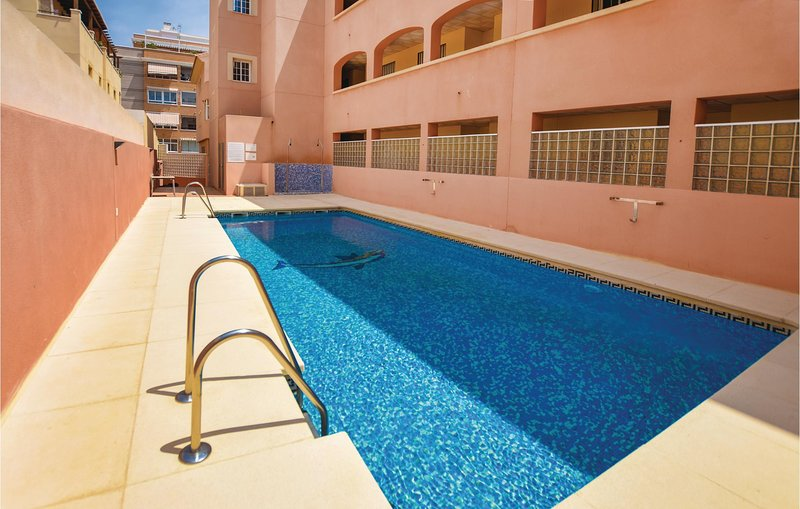 Nice apartment in Aguadulce with Outdoor swimming pool, WiFi and Outdoor swimmin, holiday rental in Aguadulce