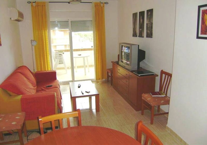 Nice apt with pool access & terrace, holiday rental in Cabanes