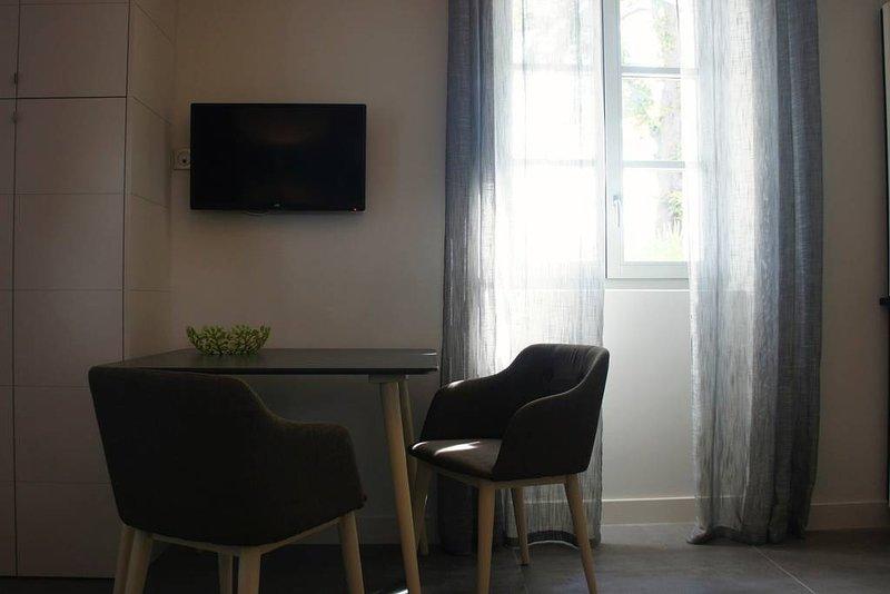 Appartement de standing avec sa terrasse  T2 Terrasse, location de vacances à Meyreuil